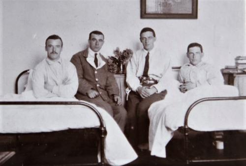 Group of St Martin's Hospital patients in a ward, 1916  LF460-13