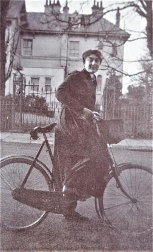 Nurse on bike, 1916 LF460-41