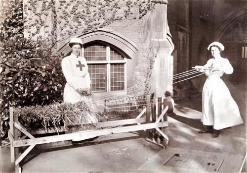 Red Cross Inspection, 1913 straw mattress making LF310-5