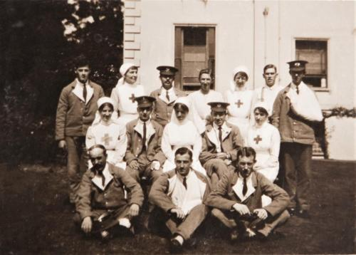 St Martin's Hospital staff and patients, 1916 LF460-14
