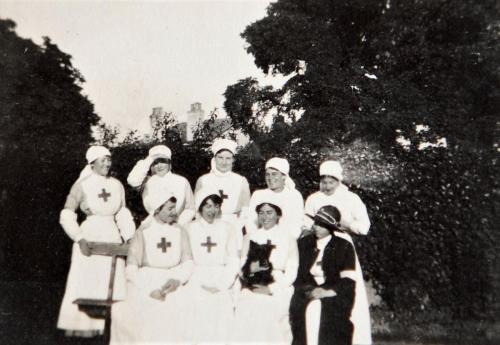 St Martin's staff with dog, 1916 LF460-5